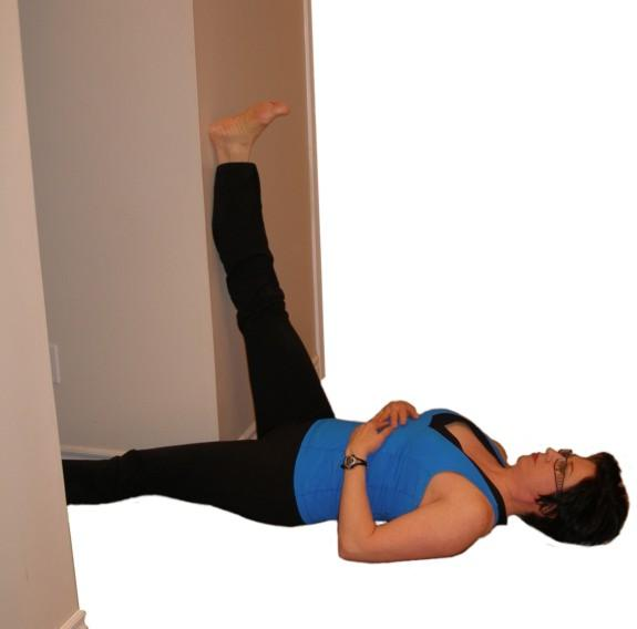 hamstring stretch through doorway