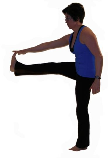hamstring dynamic stretch